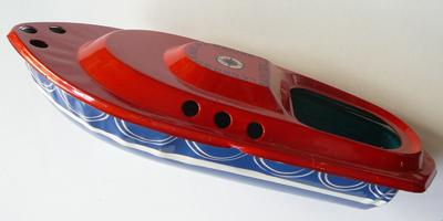 Canot de sauvetage dessus rouge